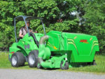 avant_collectinglawnmower1500_1