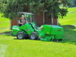 avant_collectinglawnmower1500_2