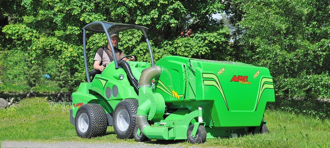 avant_collectinglawnmower1500_main