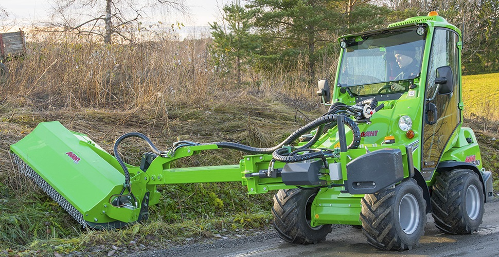 avant_niittomurskain_sivupuomilla_flail_mower_with_hydraulic_side_arm__main