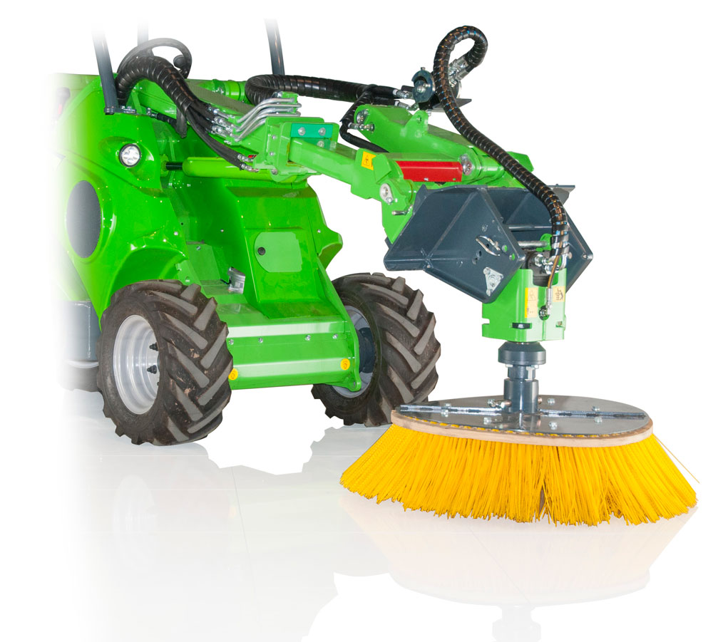 //avantsa.co.za/wp-content/uploads/2019/09/A37317-CAROUSEL-BROOM-ON-MULTI-FUNCTION-DRIVE-UNIT.jpg